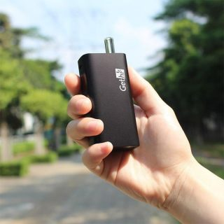 Airistech Gethi G6 dry herb vaporizer in hand